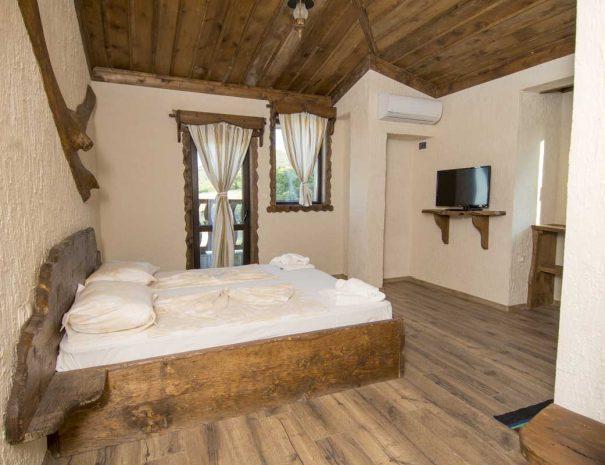 Обзаведена стая за нощувки в Старите къщи.