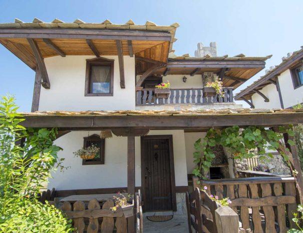 Автентична българска къща.
