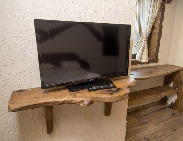 Голям телевизор.